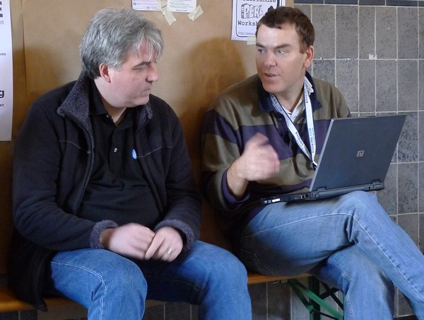 Dave Cross and Gabor Szabo near the #fosdem #perl stand on Twitpic